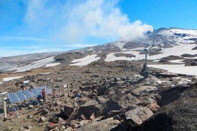 Ahora monitorean el volcán Copahue desde el lado argentino