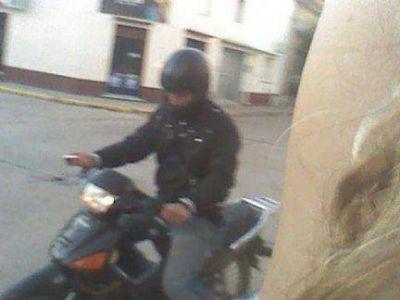 Una joven fotografió al motochorro que iba a asaltarla y logró su detención
