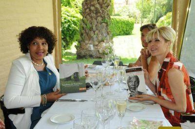 Karina Rabolini y la hija de Nelson Mandela por la paz y la educación