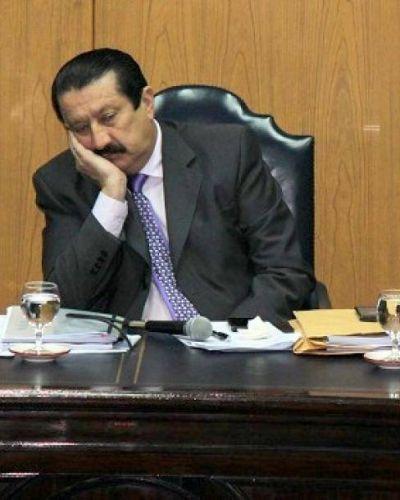 Mamarracho. Papacito Cabrera reculó: no se animó ni tuvo apoyo de su bloque para sancionar a nadie, ni nombrar jueces vaginales