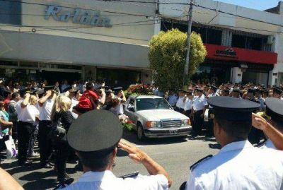 Familiares y amigos despidieron los restos de Walter Barrera