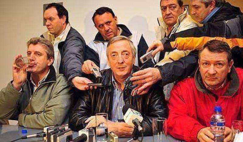 Kirchner no quiere a Macri y a De Narváez en el PJ