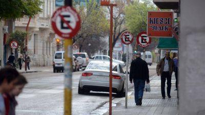 Liberarán una mano para estacionar en algunas calles del centro de la ciudad