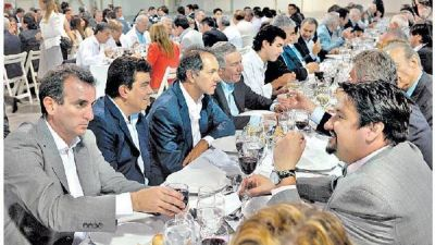 Cena cumbre del PJ: brindis electoral y faltazo de La Cámpora
