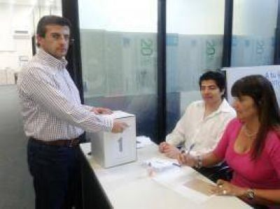 El 99,4% de los bancarios les renovó el respaldo a Cisneros y a Bourlé