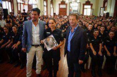 Se recibieron 198 oficiales de la Escuela de Policía que funciona en Chivilcoy