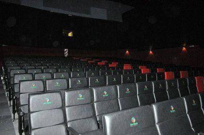 Frente a la plaza abrió el primer Cine 3D de la ciudad
