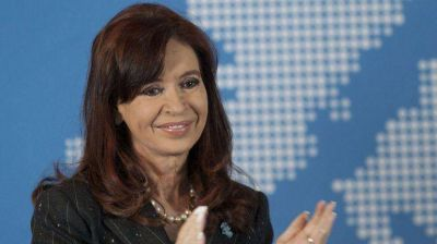 Cristina Kirchner felicitó a Tabaré por el triunfo en las elecciones