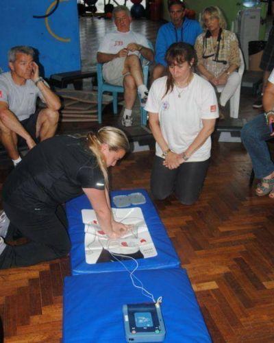 El Club Náutico incorporó un desfibrilador para atenciones de urgencias
