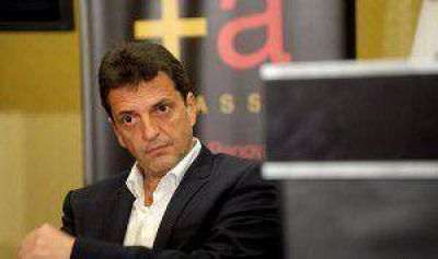 "Para Massa, el proyecto Argentina Digital ""significa retraso"""