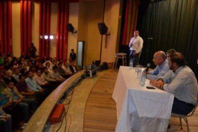 Santacruceños reflexionaron y debatieron sobre el futuro de su provincia