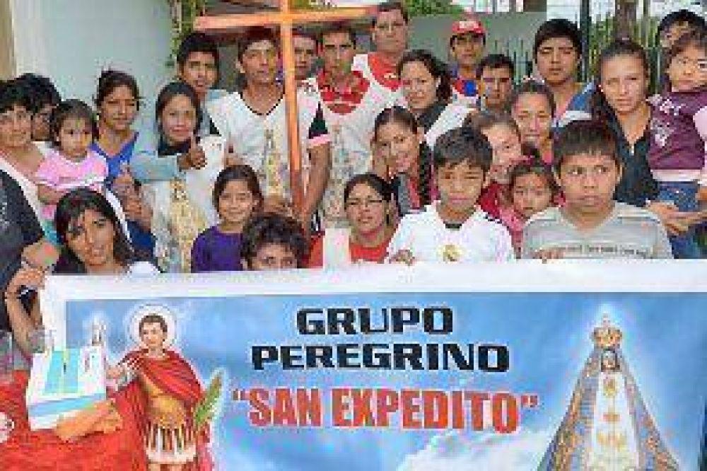 Cientos de santiagueños se sumaron a la peregrinación hacia la Virgen Morenita