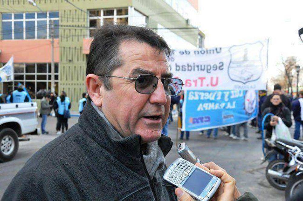 """Trabajadores en """"negro"""": 3.500 estatales podrían accionar judicialmente"""