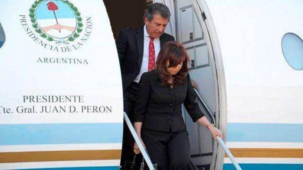 Urribarri viaja con Cristina Fernández a la Cumbre de Unasur