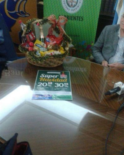 El Gobierno Provincial presentó la canasta navideña: tiene 10 productos y cuesta $105,90
