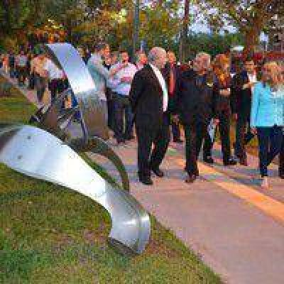 Aida felicitó a la Fundación Urunday por la remodelación de la Rambla de las Esculturas