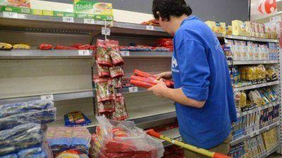 Se firma acuerdo con supermercados para la canasta navideña chubutense