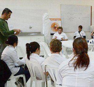 La carrera de Medicina suma más de 100 estudiantes