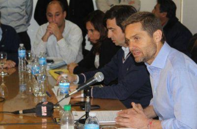 Sciurano entregó Decreto con título de propiedad a la Cámara de Comercio