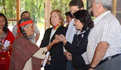 Autoridades del Gobierno provincial se reunieron con representantes de Pueblos Indígenas