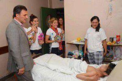 Las Leonas visitaron el Hospital Notti