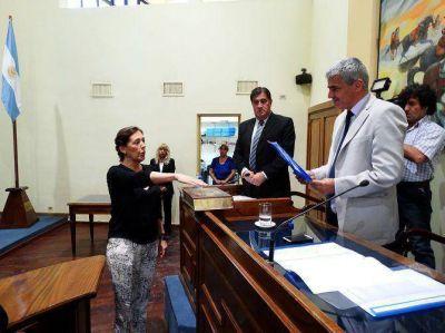 María Angélica Torrontegui seguirá un año más como presidente provisional del Senado
