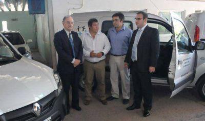 El Gobierno entregó vehículos a desarrollo social para reforzar las áreas de asistencia crítica