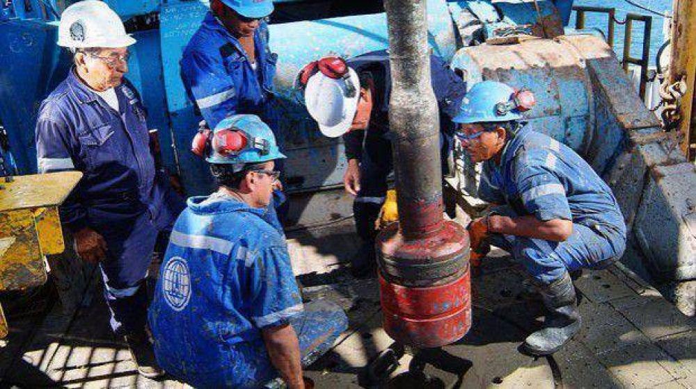 Los petroleros de Chubut y Santa Cruz iniciaron anoche un paro por 24 horas