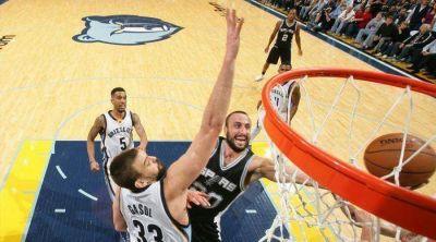 Manu Ginóbili volvió a ser figura en el triunfo de los Spurs