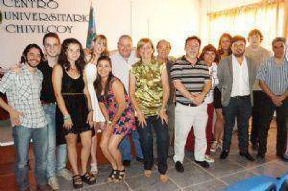 Entregaron certificados de cursada a alumnos de la Licenciatura de Periodismo