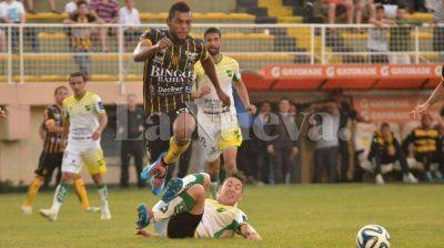 Olimpo igual� sin goles ante Defensa y Justicia en el Carminatti