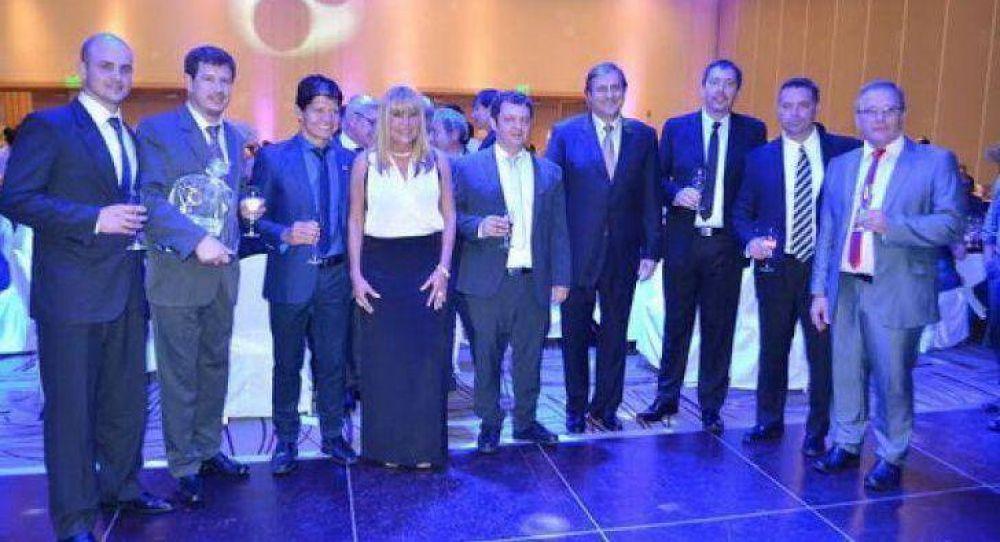 La intendenta Ayala presenció la cena anual de la Cámara de Comercio