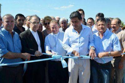 Capitanich y Peppo inauguraron el acceso a la Virgen de la Laguna