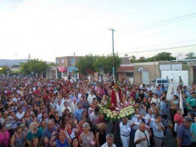Una multitud de peregrinos participaron de la procesión en honor a Santa Bárbara en Pocito