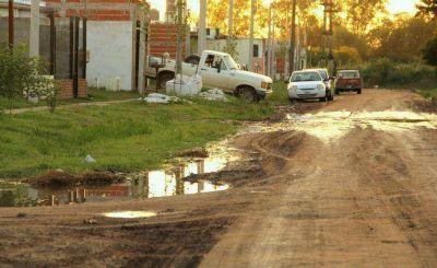 Un grupo de vecinos reclama mejoras en los tres accesos a los barrios ATE