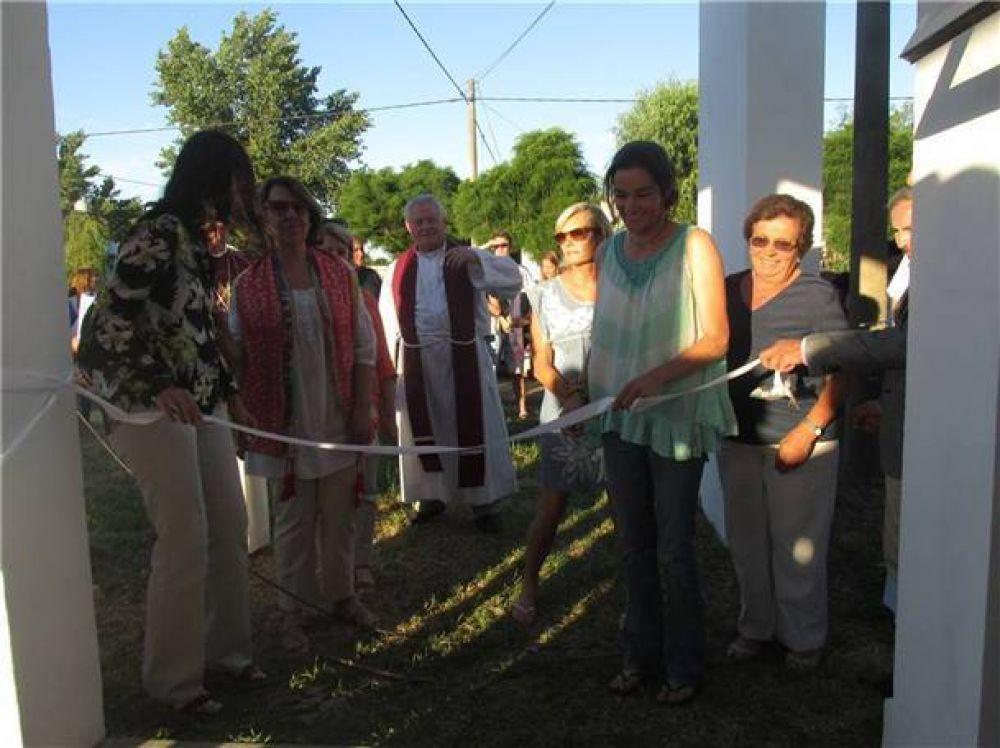 """La comunidad cristiana local inauguró ayer la capilla """"Nuestra Señora de Lourdes"""" en el Barrio Los Troncos"""