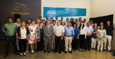 Poggi compartió una cena con más de 40 intendentes comisionados