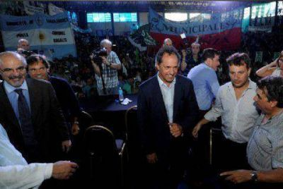 Scioli encabezó acto de promulgación de Ley de Paritarias Municipales