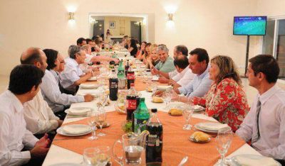 Poggi compartió una cena con integrantes del Consejo de Ciencia y Técnica