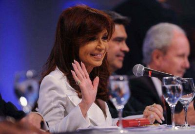 Funcionarios y legisladores opinaron sobre la gestión de CFK