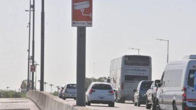 Las cámaras de la Autopista La Plata detectarán deudores de patentes