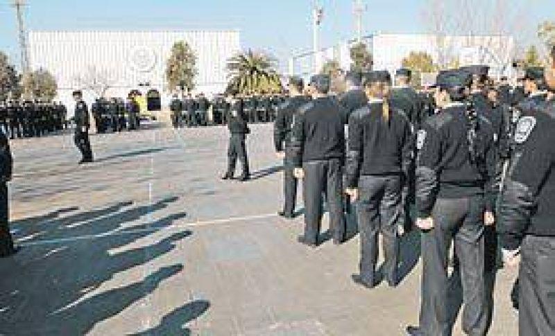 Ya entrenan a los primeros 700 policías metropolitanos