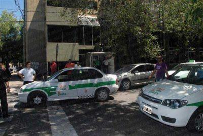 Ya rige el aumento en las tarifas de los taxis