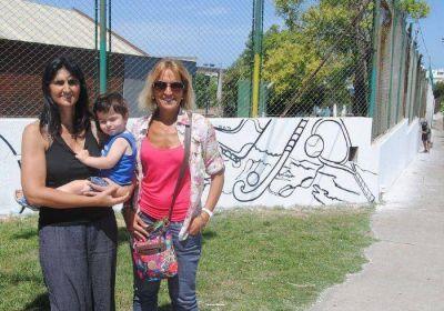 El Club Náutico pinta uno de los murales más grandes de Mar del Plata en el Boulevard Marítimo y Juan B. Justo