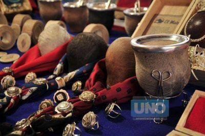 Un centenar de emprendedores y artesanos participarán de la Feria Cumbre