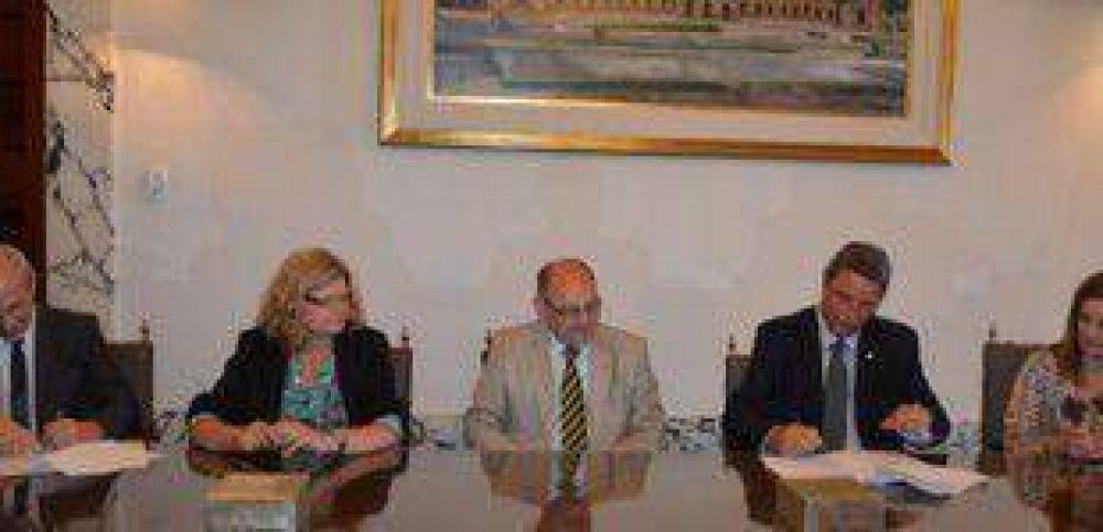 La UNL y el Ministerio de Educación acuerdan acciones para 2015