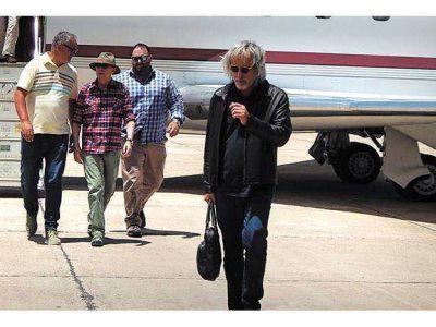 Viernes, 12 de diciembre de 2014 El Indio Solari en Mendoza: se alojó en un hotel 5 estrellas y este viernes hará la prueba sonido en el Este