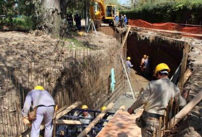 Comenzó la obra hidráulica en Barrio Mitre