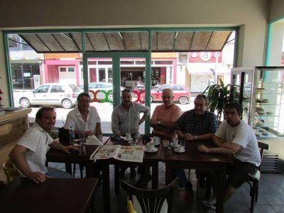 Fernando Araujo se reunió con la intersindical de Tandil