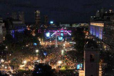 La Plaza de Mayo será sede de la fiesta popular por los 31 años de democracia